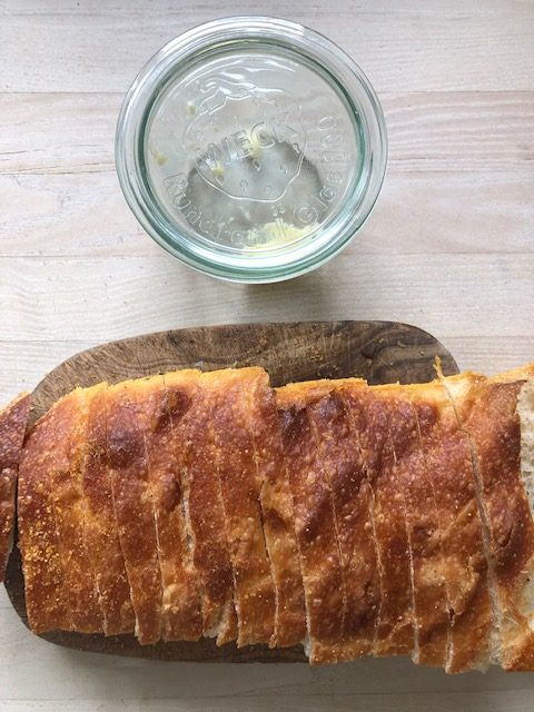 10 måder du kan bruge dit ikke-helt-friske brød